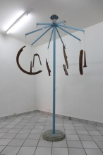Thierry Liegeois // Capsule Temporelle // métal, carénage, mobylette, peinture // 384 x 140 cm