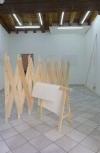 Hélène Moreau // Diviseur // 2013 // pin, boulonnerie // 135 cm de hauteur, dimensions variables // structure en pin // dimensions variables // dessin au crayon sur papier // 68 x 90 cm